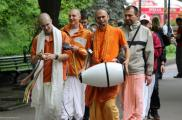 "В петиции попросили закрыть ""храм кришнаитов"". Фото: romti.livejournal.com"