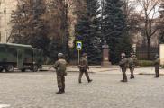 На площади собрались силовики. Фото: Павел Федосенко