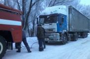 С начала зимы спасатели из снежного плена выручили 110 единиц техники. Фото: ГУ ГСЧС Украины в Харьковской области
