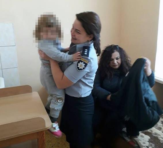 Из-за жизни в антисанитарных условиях девочка попала в больницу (ФОТО)