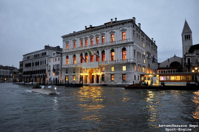 palazzo_grassi_venezia_s-e.jpg