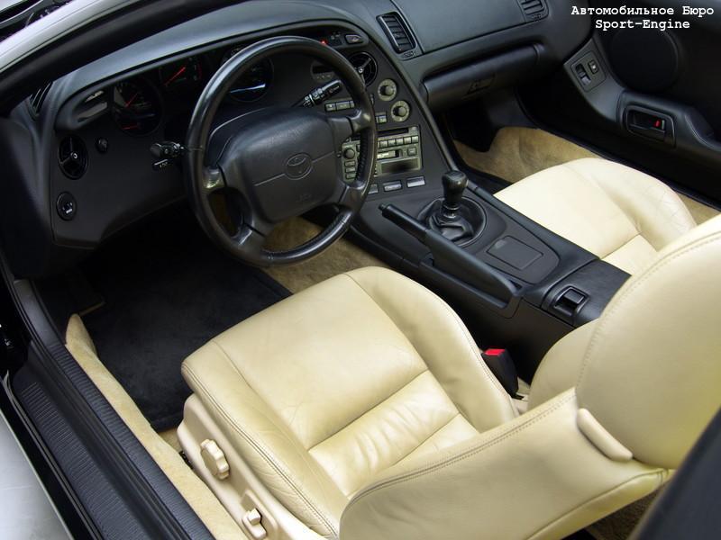toyota_supra_targa_mk4_interior_s-e-2.jpg
