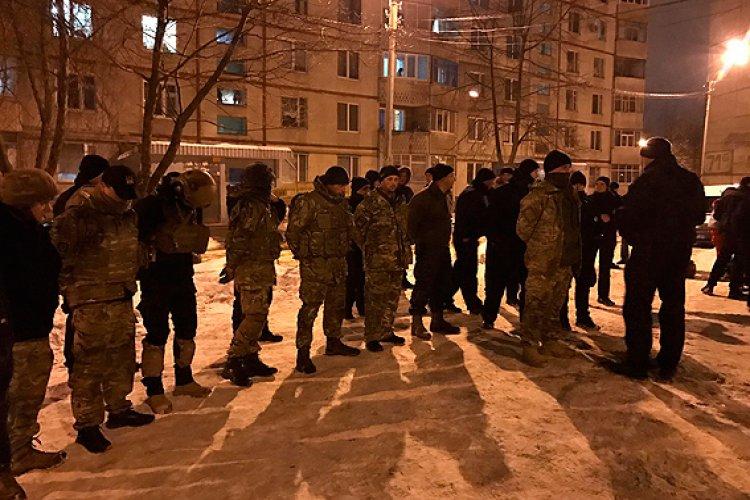 Перестрелка произошла в спальном районе. Фото: npu.gov.ua