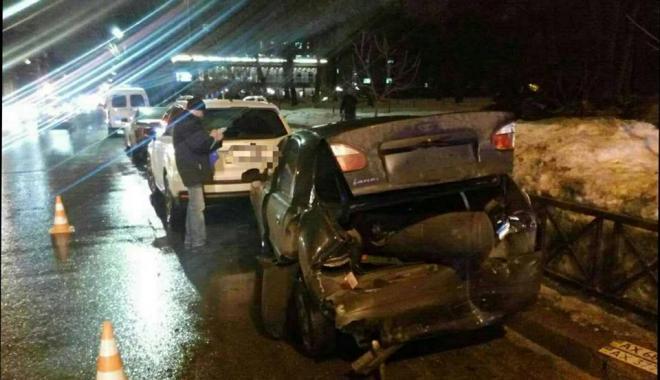 В центре Харькова тройная авария. Есть пострадавшие (фото)