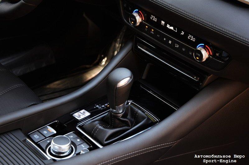 mazda_6_2018_test-drive_interior_s-e-2.jpg