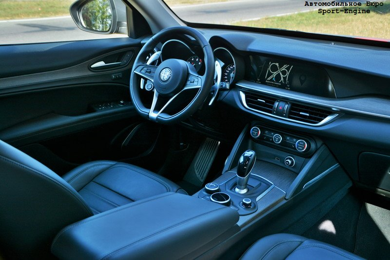 alfa_romeo_stelvio_test-drive_interior_s-e.jpg